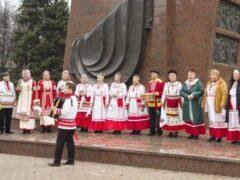 Праздничный концерт «Ура!Каникулы!» в сквере им. В.И.Чапаева